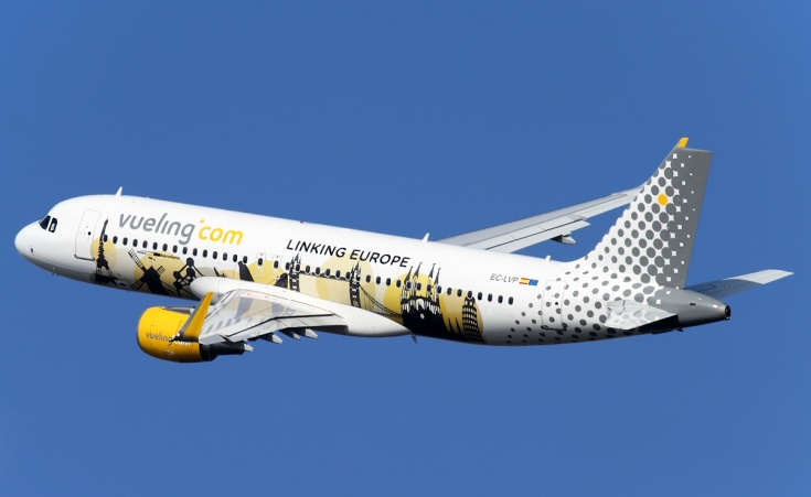 самолет Vueling Airlines