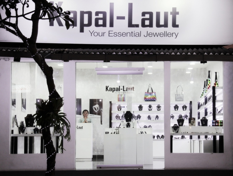 Kapal-Laut Monkey Forest Shop